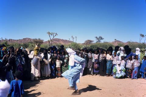 http://www.transafrika.org/media/Niger/tuareg-hochzeit.jpg