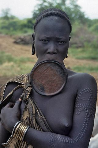 http://www.transafrika.org/media/Ostafrika/ostmursi02.jpg