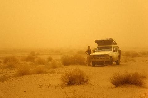 http://www.transafrika.org/media/Sudan/Sandsturm.jpg