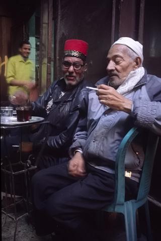 http://www.transafrika.org/media/aegypten/teehaus-kairo.jpg