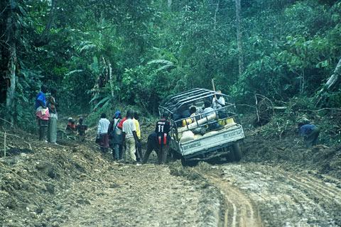 http://www.transafrika.org/media/guinea/schlammpiste.jpg