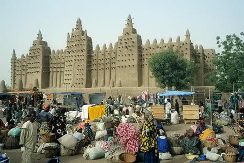 http://www.transafrika.org/media/mali/montagsmarkt-djenne-mali.jpg