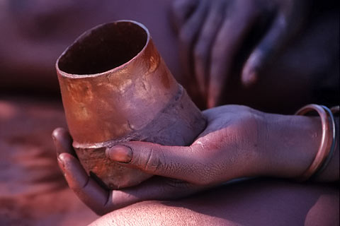 http://www.transafrika.org/media/namibia/himba-farbe.jpg